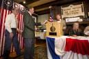 Dixville Notch lance les élections américaines et choisit Clinton