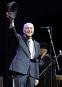 Le 17 avril 2009, Leonard Cohen se produit au Coachella... | 10 novembre 2016