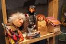 Marionnettes, boîtes, miroirs, tableaux et objets décoratifs originaux, signés Ann... | 11 novembre 2016