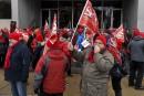 Manifestation devant l'édifice Capitanal