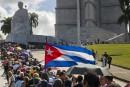 Orphelins et émus, les Cubains rendent hommage à Fidel Castro
