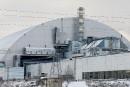 La centrale de Tchernobyl sous un dôme de confinement
