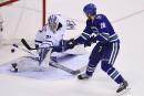 Les Canucks battent les Maple Leafs en fusillade