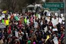 Des milliers de manifestants devant la Maison-Blanche