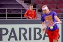Vasek Pospisil surveille Denis Shapovalov à l'entraînement.... | 31 janvier 2017