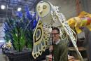 Le concepteur du défilé du Carnaval, Ghislain Turcotte, montre l'une... | 2 février 2017