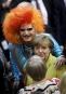 La chancelière Angela Merkel pose avec la drag queen Olivia... | 12 février 2017