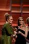 Céline Dion remet le Grammy de la chanson de l'année...   12 février 2017