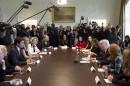 Les deux chefs de gouvernement ont participé à une table... | 13 février 2017
