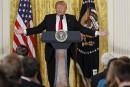 Contacts avec la Russie: Trump dément tout