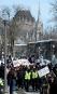 Des membres de La Meute marchent derrière des contre-manifestants affiliés... | 4 mars 2017