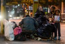 Dans un Venezuela en crise, la faim pousse à fouiller les poubelles