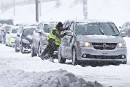 Tempête: cinq morts, perturbations majeures dans les transports