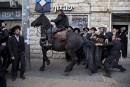 Un groupe de Juifs ultra-orthodoxes manifestent contre la conscription à... | 15 mars 2017