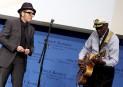 Avec le chanteur Elvis Costello, à Boston, alors que M.... | 18 mars 2017