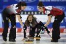 Mondiaux de curling féminin: le Canada toujours invaincu