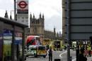 Des policiers sécurisent les alentours du palais de Westminster et... | 22 mars 2017