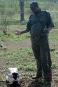 Le garde-forestier Oscar devant le crâne d'un rhinocéros. L'animal a... | 22 mars 2017