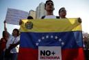 Venezuela: accusé de «coup d'État», Maduro sous une pluie de critiques