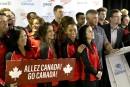 Présentation de l'équipe canadienne avec le maire de Gatineau, Maxime... | 5 avril 2017