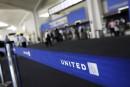 Passager expulsé: United présente ses excuses