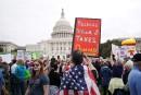 Des milliers de manifestants réclament la publication des impôts de Trump