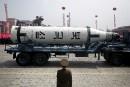 Après un défilé militaire géant, Pyongyang rate un essai de missile