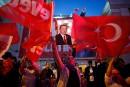 Référendum en Turquie: Erdogan crie victoire, l'opposition conteste