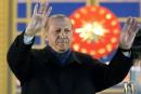 Turquie: Erdogan rejette les critiques etreçoit les félicitations de Trump