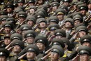 Les soldats saluent alors que leur hymne national se joue... | 17 avril 2017