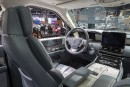 The interior of the 2018 Lincoln Navigator is photographed while... | 19 avril 2017