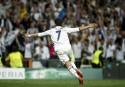 Ronaldo célèbre l'un de ses trois buts qui ont permis...   19 avril 2017