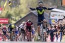 L'Espagnol Alejandro Valverde de l'équipe Movistar est heureux de franchir...   19 avril 2017