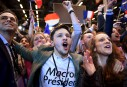 Des supporters parisiens d'Emmanuel Macron ont célébré à l'annonce de...   23 avril 2017