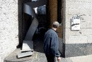 Le bronze de la Caisse Desjardins de Québec retiré de son socle