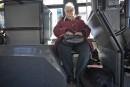 Dans les autobus, le premier siège derrière le chauffeur est...   25 avril 2017