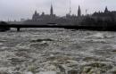 La rivière Ottawa était très haute, samedi.... | 6 mai 2017