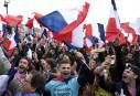 Des partisans d'Emmanuel Macron attendaient fébrilement le nouveau président élu... | 7 mai 2017