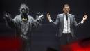 Francesco Gabbani interprète «Occidentali's Karma» en finale du concours Eurovision... | 14 mai 2017
