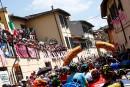 Le peloton roule vers Bagno di Romagna pendant la 11e... | 17 mai 2017