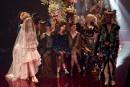 Les modèles exhibent des créations du label australien Romance Was...   18 mai 2017