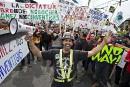 Construction: des grévistes manifestent à travers le Québec