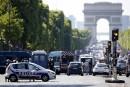 Attentat raté sur les Champs-Elysées, pas de victimes