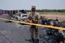Un camion de carburant s'enflamme au Pakistan: au moins 153 morts