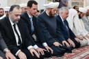 Rare apparition en dehors de Damas du président Assad pour le Fitr