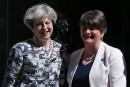 Les ultraconservateurs nord-irlandais donnent la majorité absolue à May