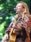 La chanteuse country Cindy Bédard a livré une performance sur... | 2 juillet 2017