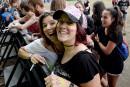 Des fans de Pink à l'entrée des Plaines, 8 juillet...   8 juillet 2017