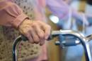 Des marches à ressorts pour aider les personnes âgées