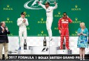 Lewis Hamilton célèbre sa victoire sur le podium; Valteri Bottas... | 17 juillet 2017